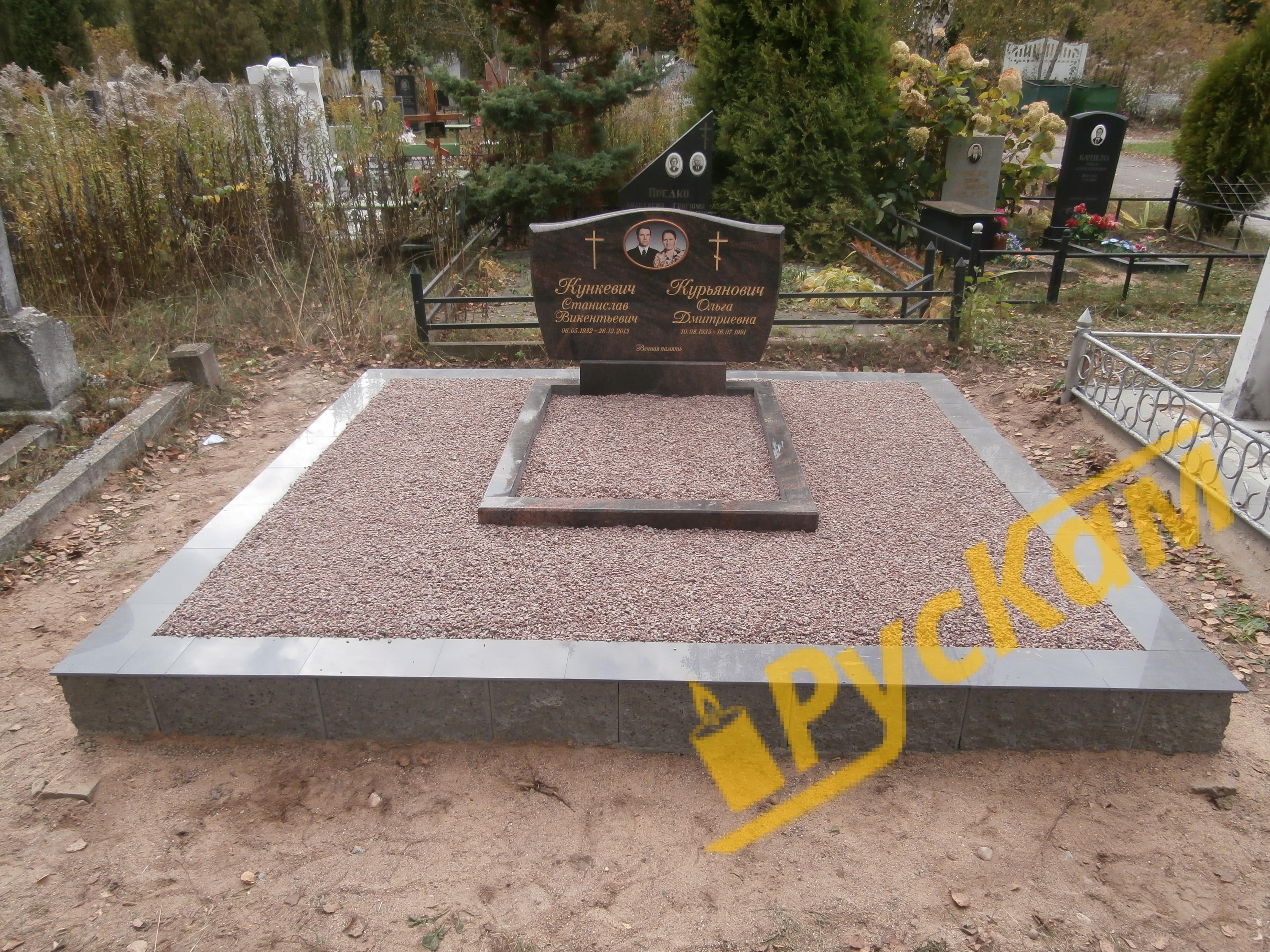 Памятники на могилу из бетона 33